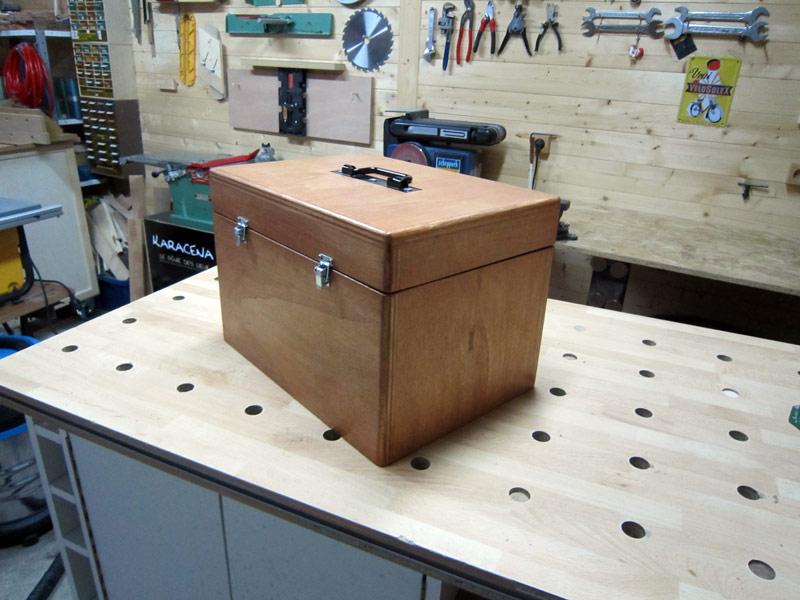 [Terminé] Une boite exercice pour  ranger mon rabot électrique. - Page 2 Boite_rabot-058