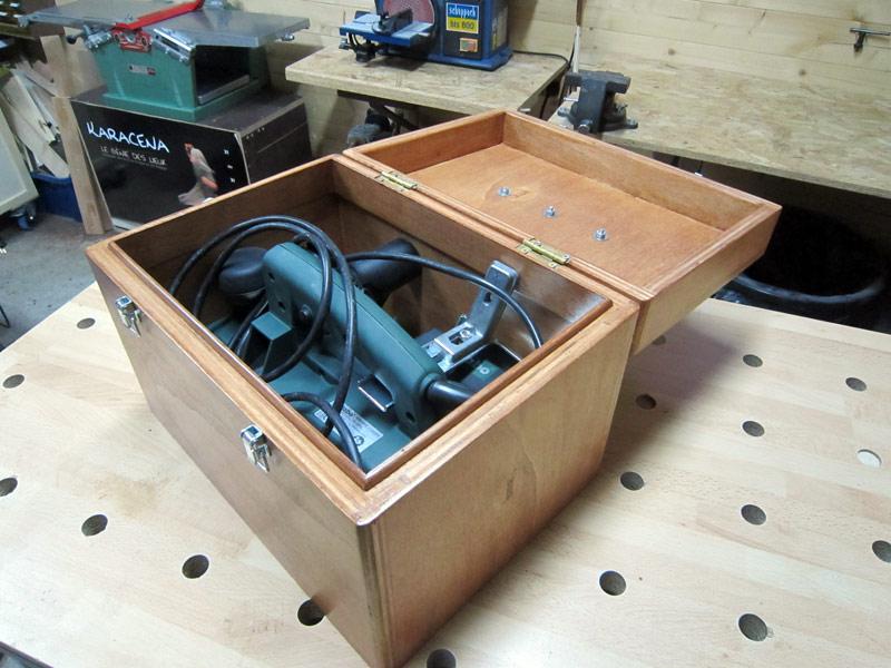 [Terminé] Une boite exercice pour  ranger mon rabot électrique. - Page 2 Boite_rabot-060