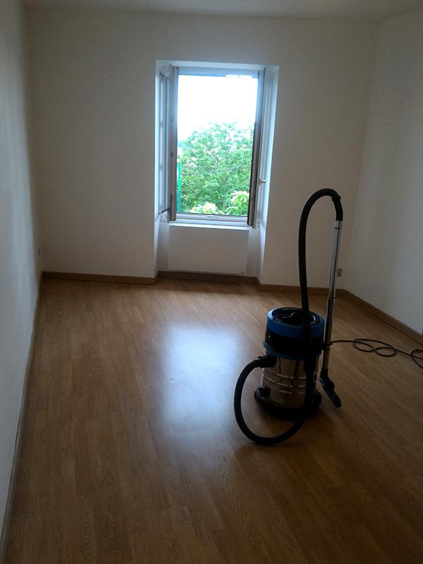 Refection d'un plancher de chambre Chambre_2_003