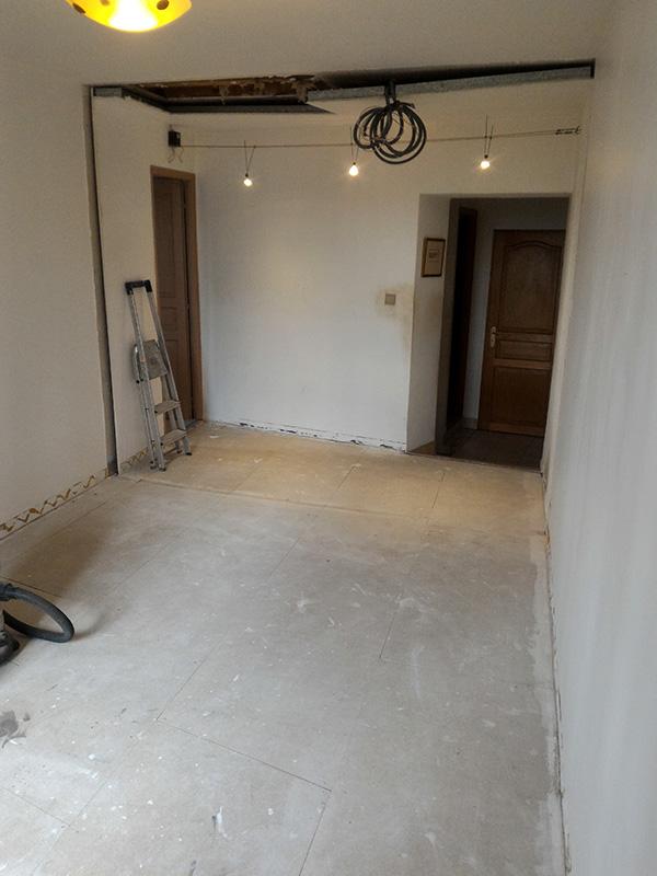 Refection d'un plancher de chambre Chambre_2_007