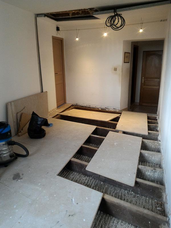 Refection d'un plancher de chambre Chambre_2_008