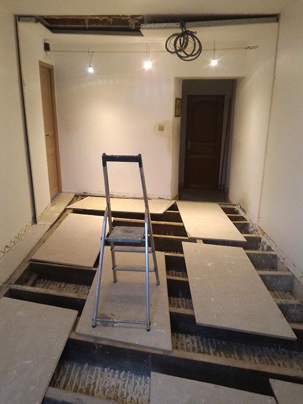 Refection d'un plancher de chambre Chambre_2_010