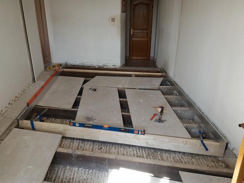 Refection d'un plancher de chambre Chambre_2_018
