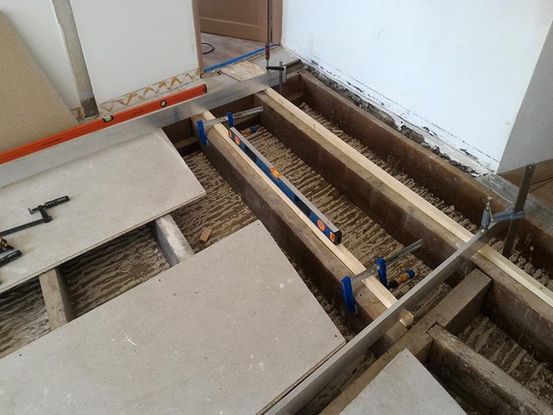Refection d'un plancher de chambre Chambre_2_020
