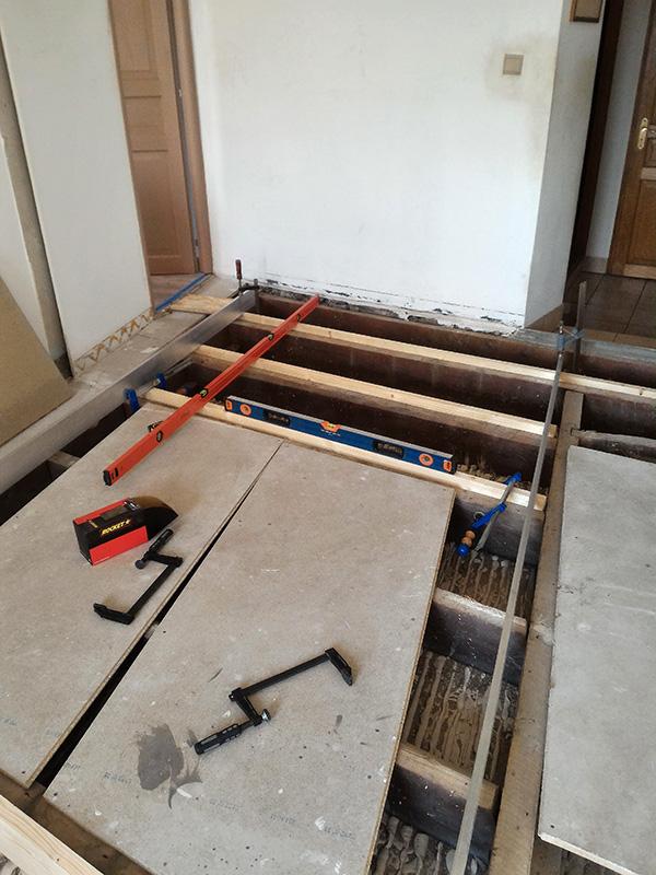 Refection d'un plancher de chambre Chambre_2_021