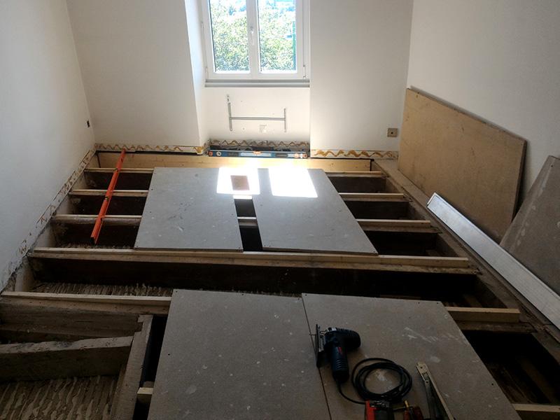 Refection d'un plancher de chambre Chambre_2_025