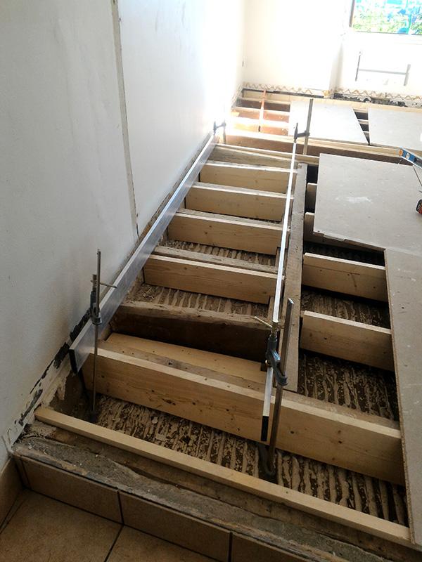 Refection d'un plancher de chambre Chambre_2_027