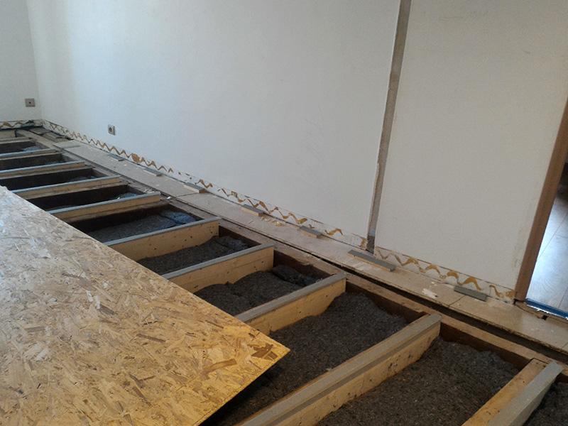 Refection d'un plancher de chambre Chambre_2_036