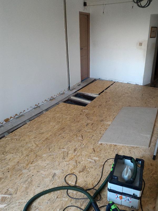 Refection d'un plancher de chambre Chambre_2_038
