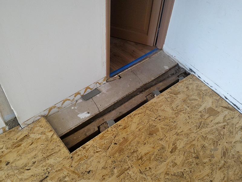 Refection d'un plancher de chambre Chambre_2_040