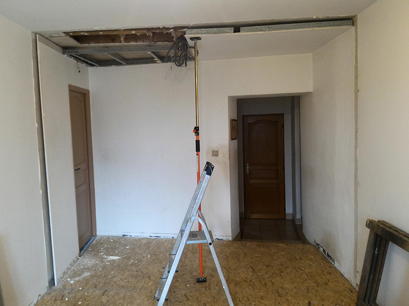 Refection d'un plancher de chambre Chambre_2_045