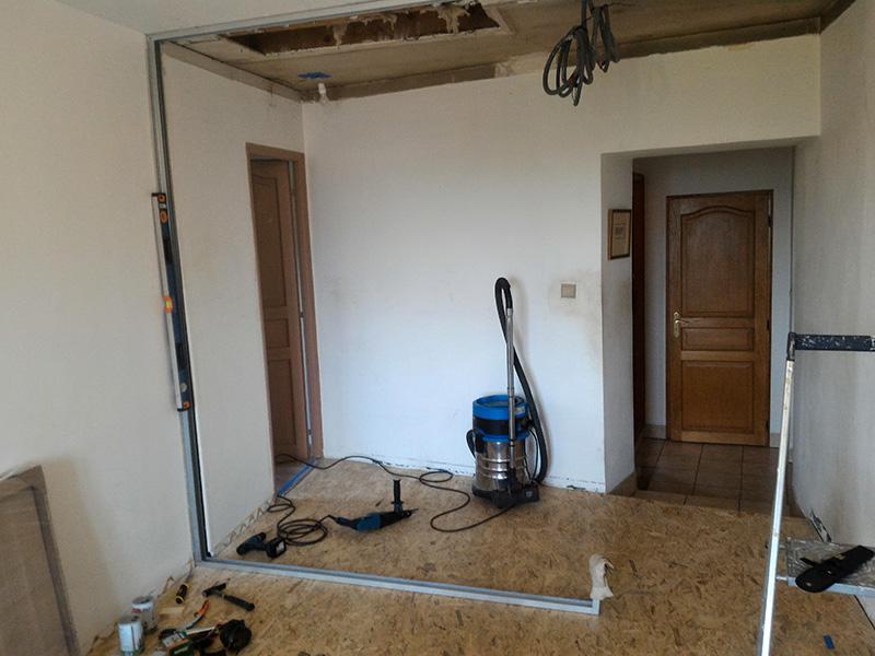 Refection d'un plancher de chambre Chambre_2_047
