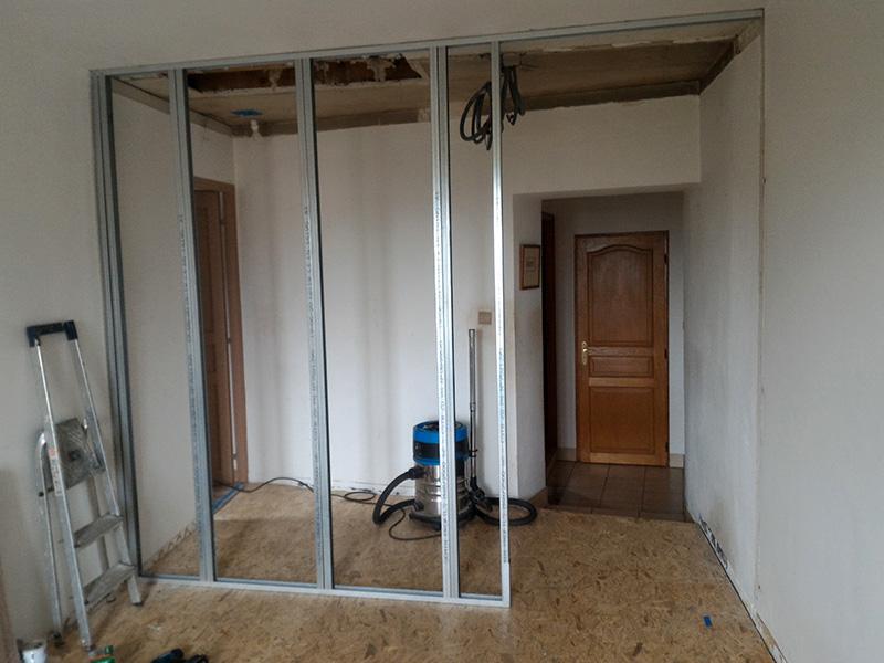 Refection d'un plancher de chambre Chambre_2_049