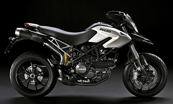 BMW F800R ou Ducati Hypermotard 796 Ducati-hypermotard-796