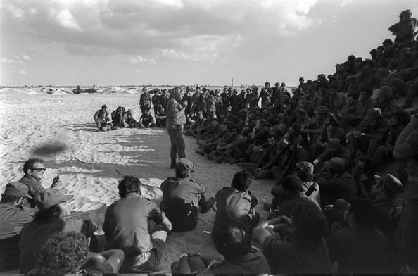 Izrael - Page 2 1973-Yom-Kippur-War-Begins