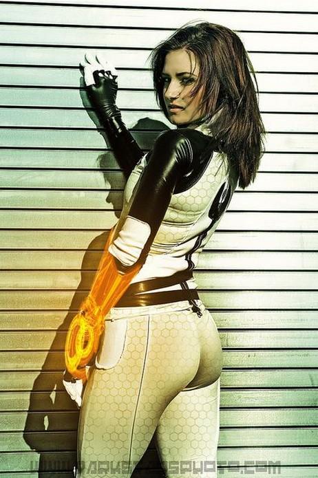 Mass Effect SAGA Miranda1