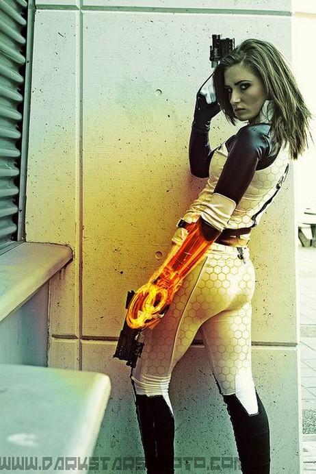 Mass Effect SAGA Miranda12