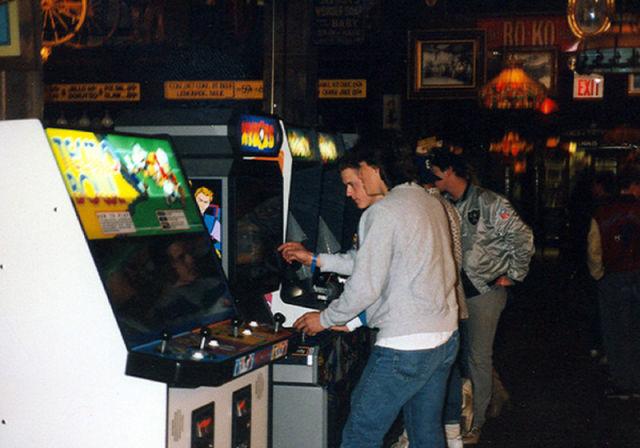 [Nostalgie] Vos photos d'époque ! - Page 2 Arcade_rooms_in_640_38
