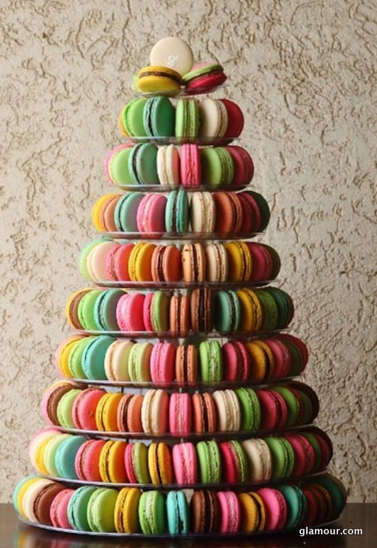 Anniversaire Ajonc RIVER-macaron-wedding-cake-week-in-review-1214-main
