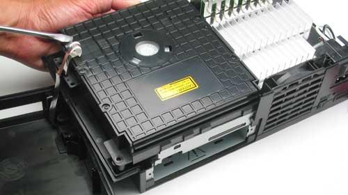 شرح كيفية تنظيف البلاي ستيشن2 playstation2 بالصور  23950