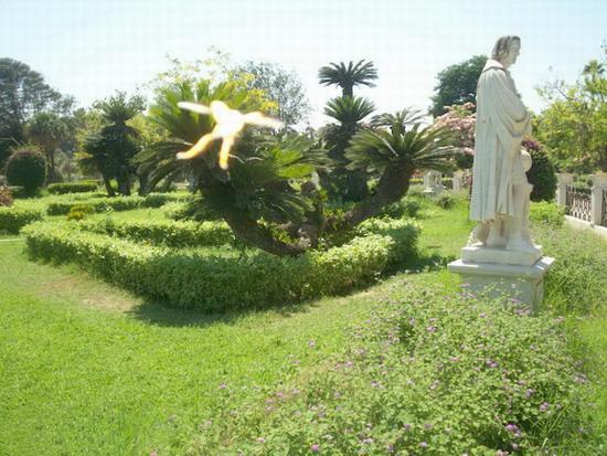 أصحابى وصحباتى ..تعرف / تعرفي على اجمل الحدائق في العالم / موضوع متجدد - صفحة 2 Antoniadis033