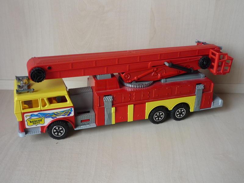 N°3091 1972`Ward La France Incendie Nacelle 10942255ro