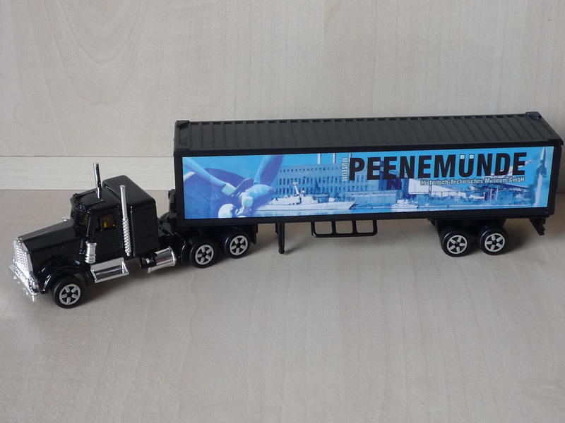 N°604 Kenworth W900 + Semi Container 11318901ep
