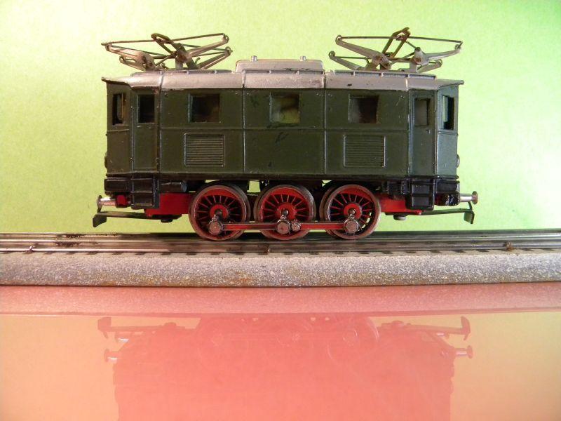Liliput Lok No. 104 im Vergleich mit Kleinbahn Lok No. 1280 12370487to