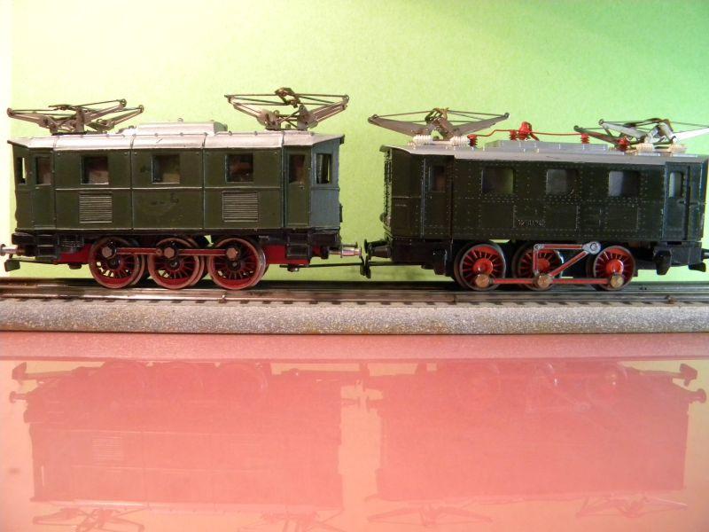 Liliput Lok No. 104 im Vergleich mit Kleinbahn Lok No. 1280 12370492bw