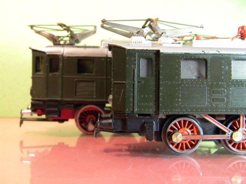 Liliput Lok No. 104 im Vergleich mit Kleinbahn Lok No. 1280 12370495at