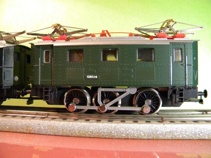 Liliput Lok No. 104 im Vergleich mit Kleinbahn Lok No. 1280 12370571of