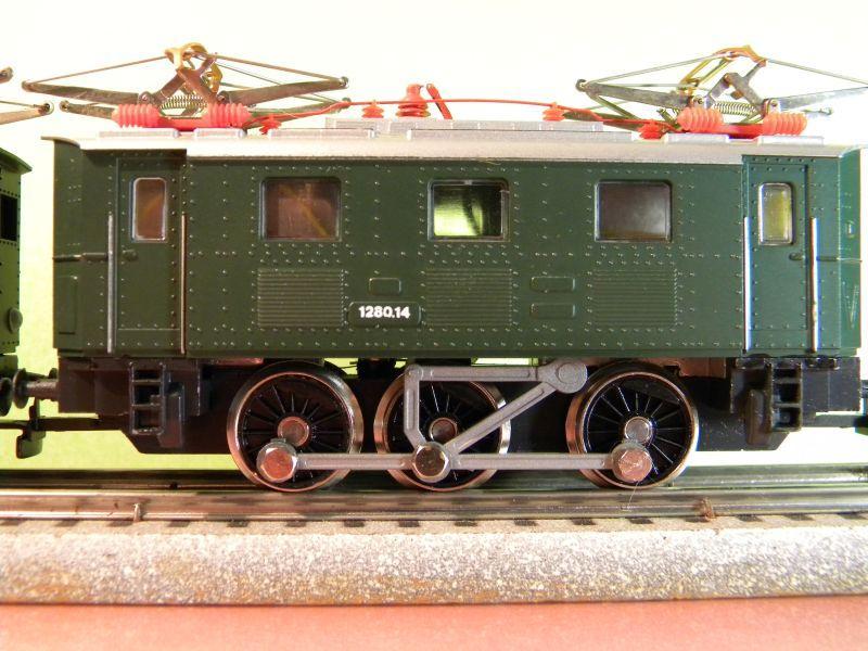 Liliput Lok No. 104 im Vergleich mit Kleinbahn Lok No. 1280 12370572ix