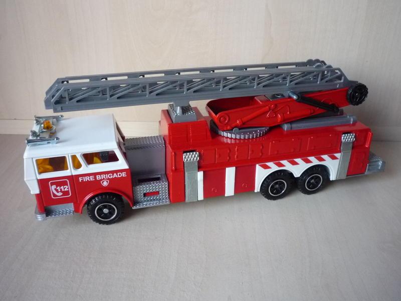 N°3096 1972`Ward La France Incendie Grande Échelle 12917262en