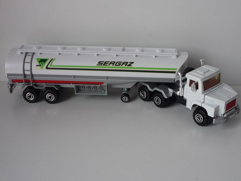 N°3040 Scania Citerne 13544980kw
