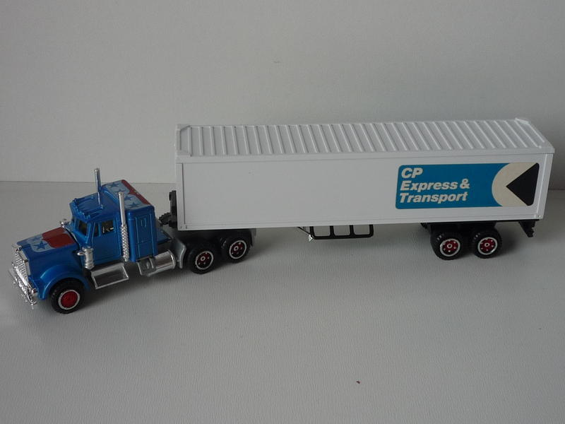 N°604 Kenworth + semi remorque container  ( version lisse ) - Page 2 13545134lx