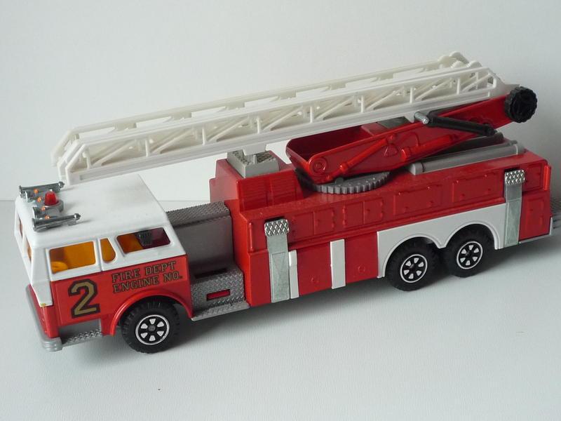 N°3096 1972`Ward La France Incendie Grande Échelle 14695959yp