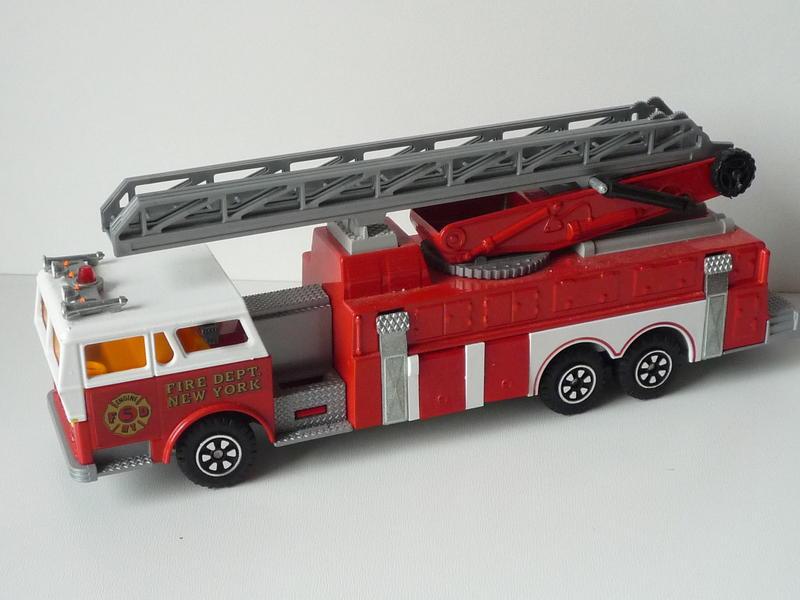 N°3096 1972`Ward La France Incendie Grande Échelle 14695960lf
