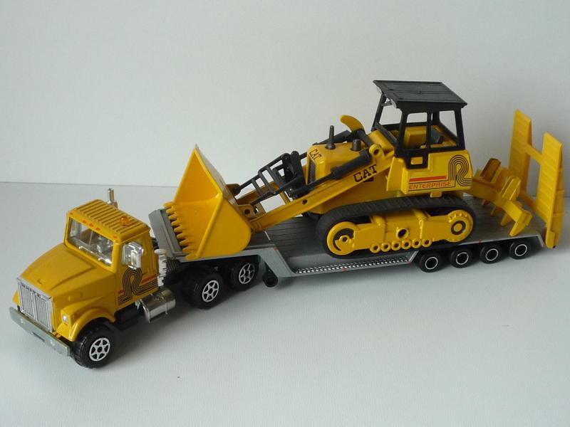 N°3097 White RoadBoss II Transport de Bulldozer 14695963sl