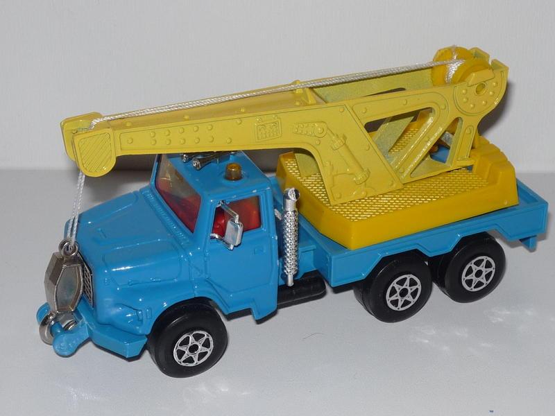 N°3011 / 3026 / 4508 Ford L Dèpanneuse 16174242cm