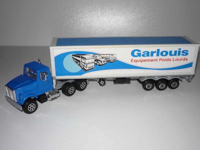 """N°3055 White RoadBoss II 1x 40"""" Container 17015542kq"""