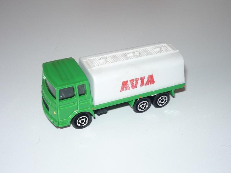 N°109 Saviem (Citerne, Container) 19709722rc