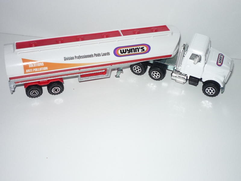 N°3076-B White Oil Tanker (with old 2-axle Trailer, Promo) 21773472nk