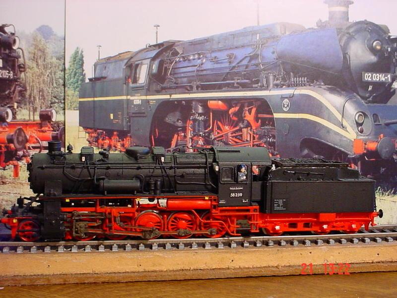 Uraltmodelle H0 Dampflokmodelle -gebaut vor über 25 Jahren 21784137fj