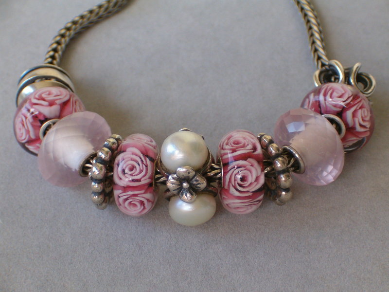 Statement with roses 22380348px