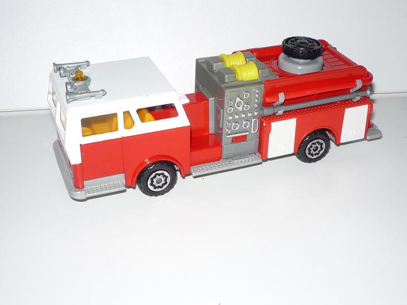 N°3033 1972`Ward La France Pompe Incendie 23527950wy