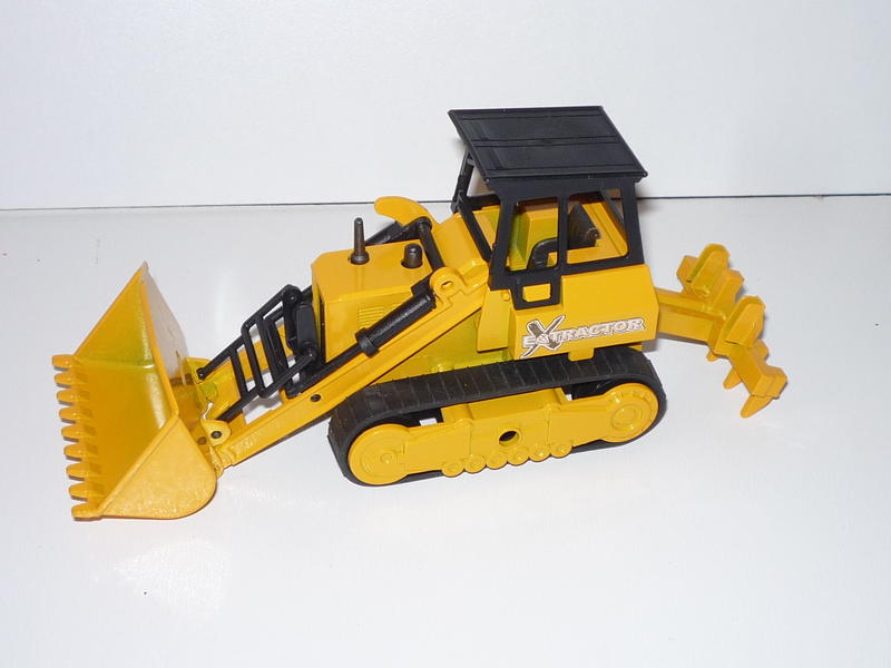N°4505 Bulldozer 25512358ha