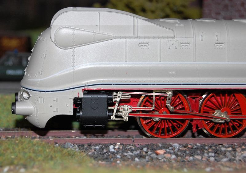 Stromlinienlokomotive 03.10 26871019gh