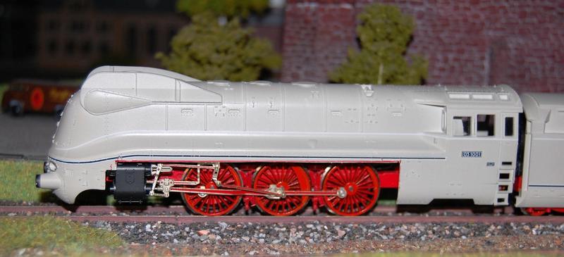 Stromlinienlokomotive 03.10 26871131ka