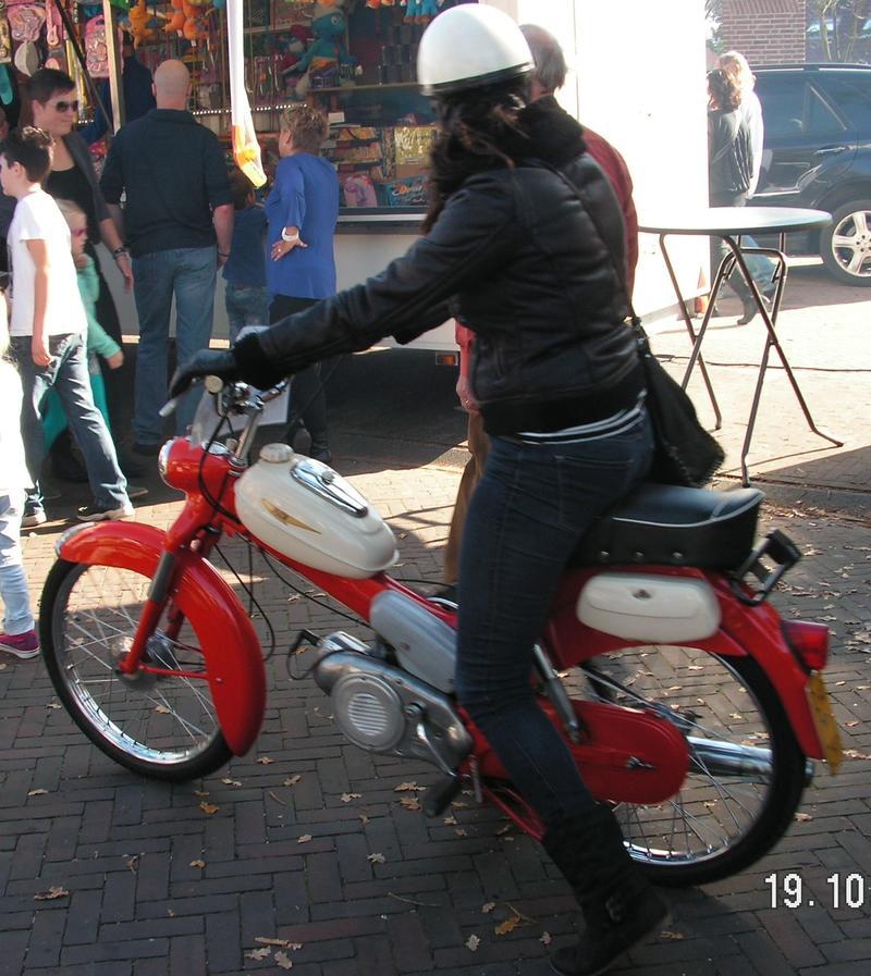 """Moppeds"" bei den Najaarsstoomdagen Haaksbergen/NL 26880847vu"