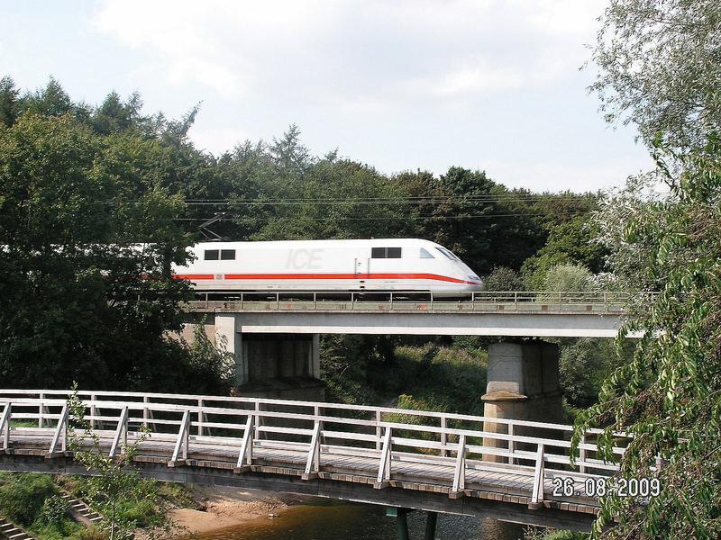 An der Rollbahn  (Wanne - Bremen) ......... 26890901xa